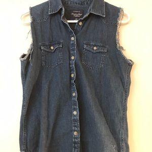 AE raw edge sleeveless denim shirt